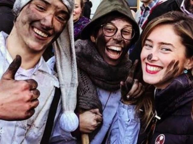 Trucco e carnevale, Maria Elena Boschi fa festa in Alto Adige