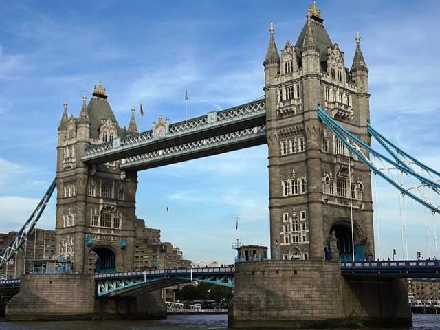Le 10 migliori app + 1 per un viaggio a Londra