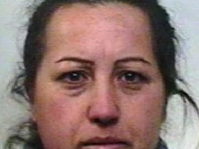Derubò un vecchietto fingendosi dipendente comunale: arrestata