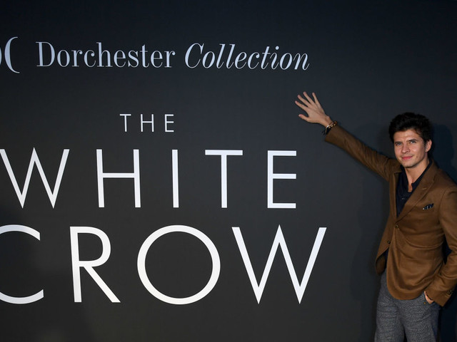 Nureyev – The White Crow: dal 27 giugno il biopic di Ralph Fiennes
