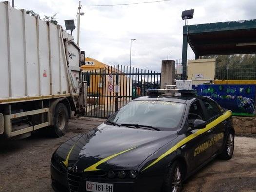Rifiuti: denunciato sindaco di Cefalù