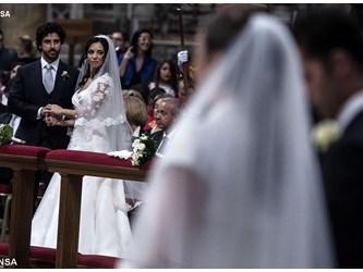 Papa: Motu Proprio per ampliare studi su matrimonio e famiglia