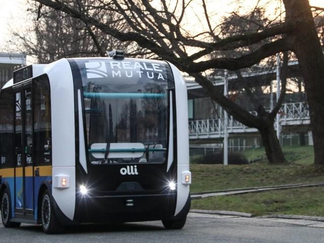 Torino, al via la sperimentazione di Olli: il primo minibus a guida autonoma