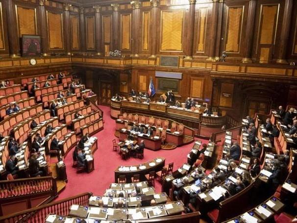 Taglio parlamentari, in Senato comitato bipartisan per referendum
