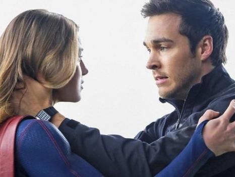 Supergirl 3 ci sarà? Dall'addio del finale della seconda stagione al ritorno sul set: cosa ne sarà di Kara e Mon-El?
