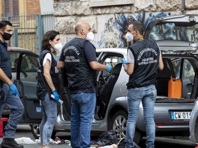 Roma, trovato un ordigno artigianale sull'auto del dirigente Marco Doria:aveva denunciato abusi a Villa Pamphilj