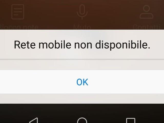 Down di Poste Mobile oggi: migliaia di utenti non riescono a fare telefonate e navigare