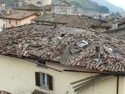 San Giovanni B., ecco cosa è successo Grave la donna, «un boato terribile» - Foto