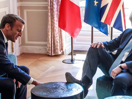 """""""In 30 giorni un accordo sul backstop"""". Macron tiene il punto con Boris Johnson"""