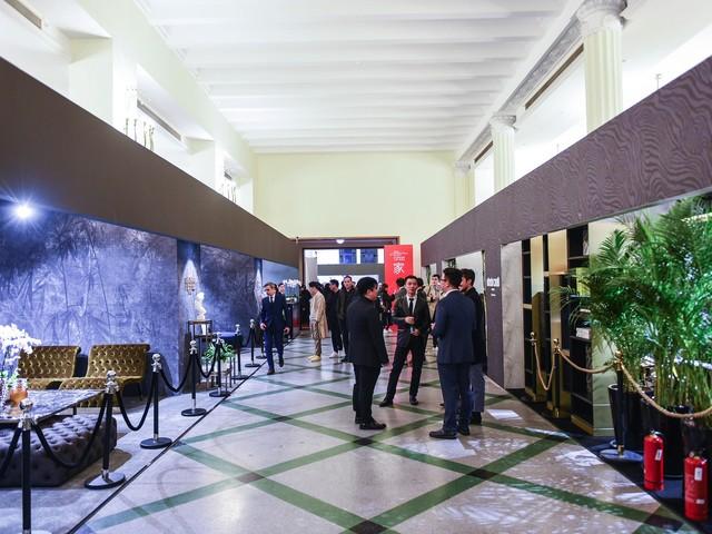 Shanghai, il Salone del Mobile cresce: visitatori, buyer e architetti da tutta la Cina