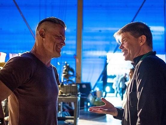 Deadpool 2: Cable incontra il suo creatore in una nuova foto dal set