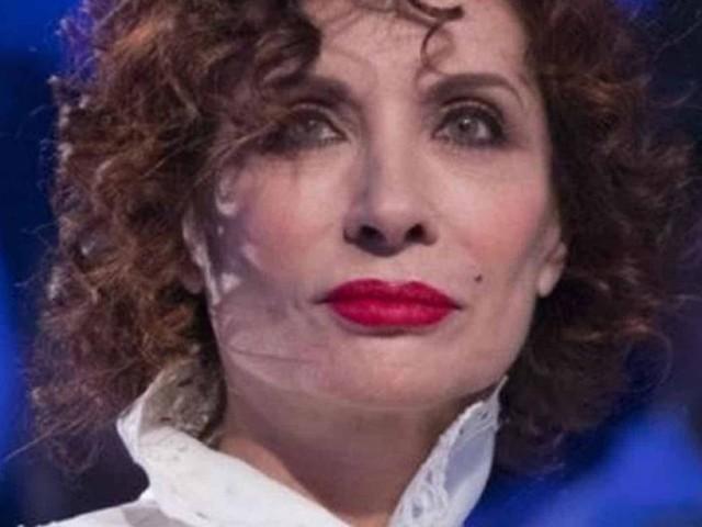 Vieni da me, Alda D'Eusanio attacca la Moric: 'Saprai anche tu quant'è bella la menopausa'