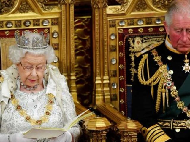 """Queen's speech, il discorso della Regina Elisabetta II/ """"Priorità Brexit entro il 31"""""""