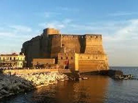 Pienone di turisti in Liguria Toscana e Trentino. Tutto esaurito a Napoli e Matera