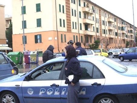 Roma, da Centocelle ai Parioli, armi e droga: sgominata banda che riforniva le piazze di spaccio
