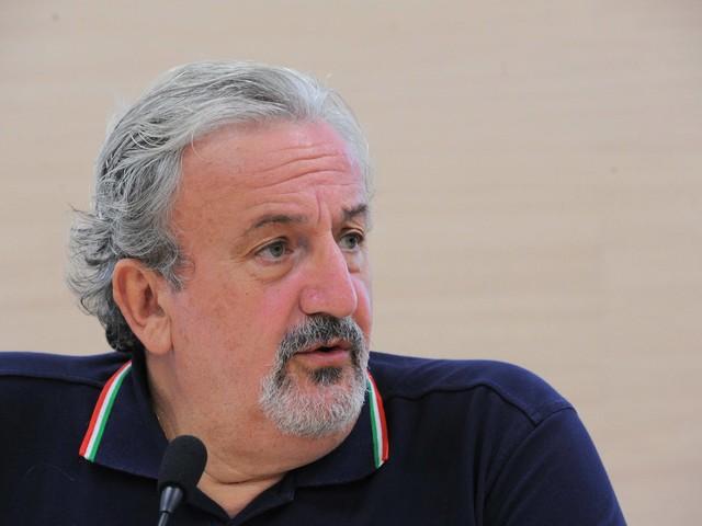 Il complottismo e le clientele: in Puglia il Pd usa ogni mezzo
