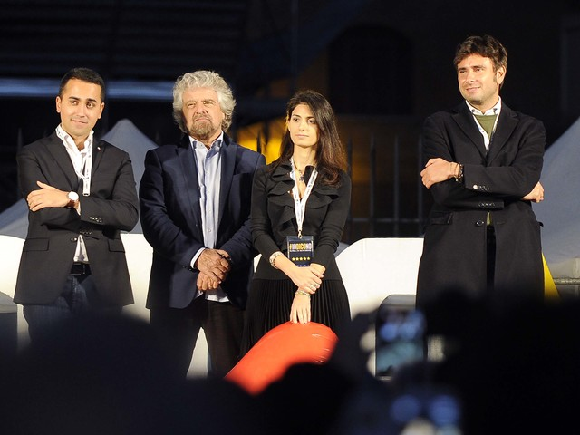Roma, ipotesi Raggi-bis: c'è la benedizione di Beppe Grillo
