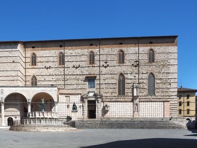 La cattedrale di Perugia tornerà alla bellezza originaria