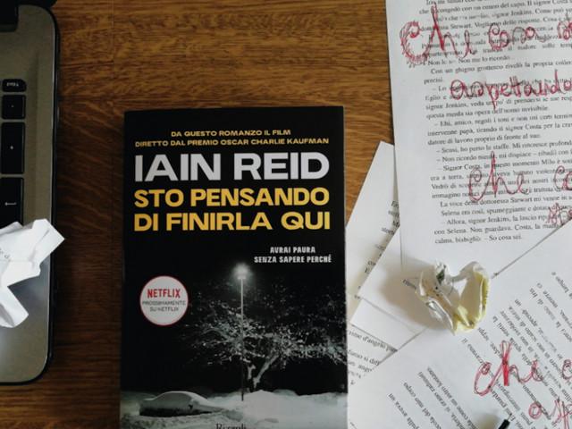 Il romanzo che ha ispirato il prossimo film di Charlie Kaufman: recensione di Sto pensando di finirla qui, di Iain Reid