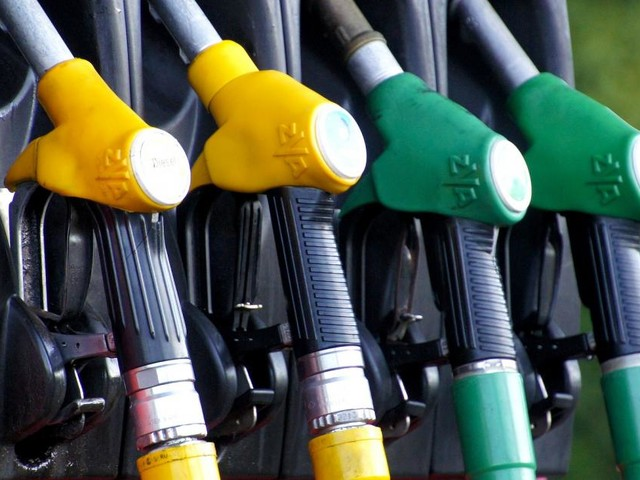 Carburanti, cambiano le diciture di diesel e benzina