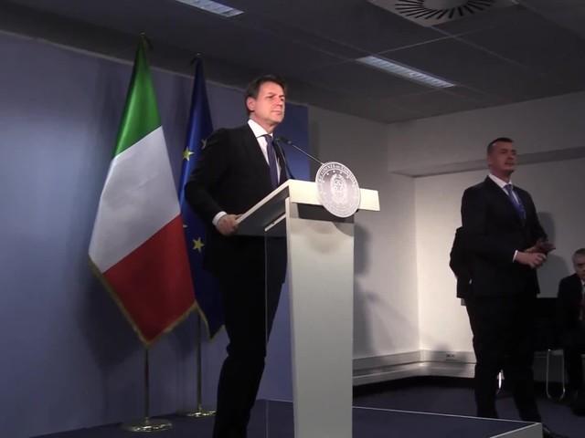 """Conte respinge Rocco Casalino: """"Non mi aggiornate con le agenzie, facciamo qui le notizie"""""""