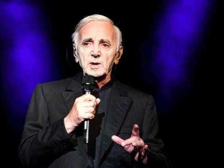 Aznavour, ad un anno dalla morte in vendita la sua villa in Provenza