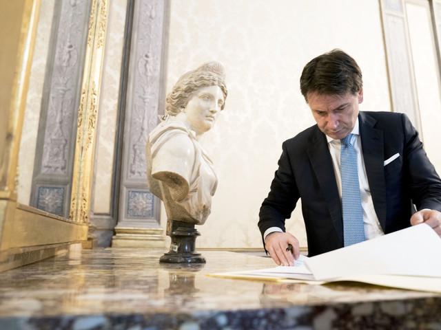 Prescrizione, Conte s'incarta e Renzi minaccia Bonafede