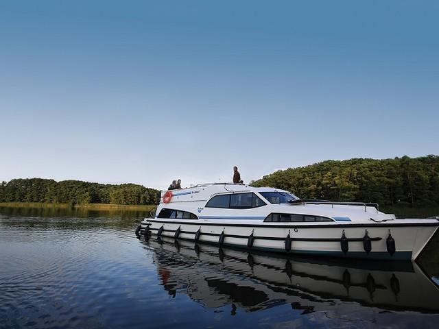 Le Boat festeggia 50 anni di turismo fluviale