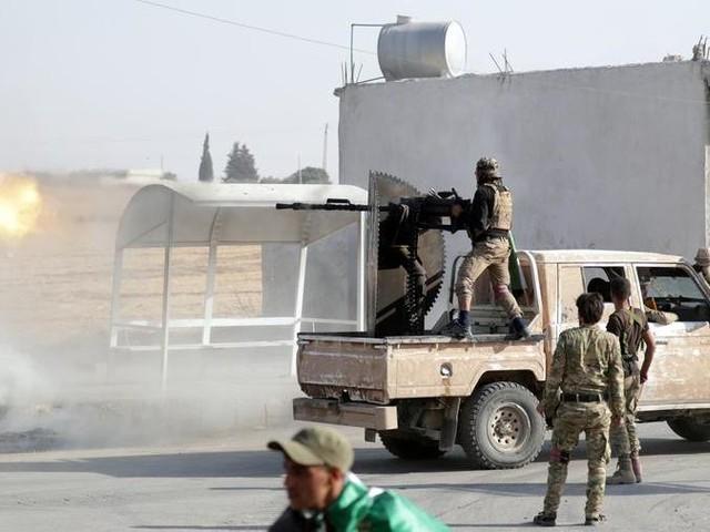 La Turchia avanza in Siria, gli Usa ritirano le truppe. 800 familiari Isis in fuga