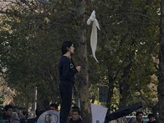 Atlete, registe, avvocate, scrittrici... le donne senza velo che cambiano l'Iran
