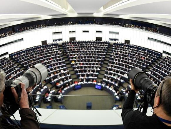 Europee, un seggio a Strasburgo può costare fino a 200mila euro