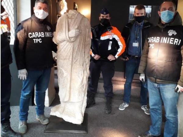 Preziosa statua romana del I sec. a.C. recuperata dai carabinieri