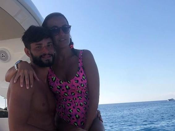 """Andrea Battistelli tira dritto nonostante le critiche, la sorpresa ad Anna Boschetti: """"Ti amo"""""""