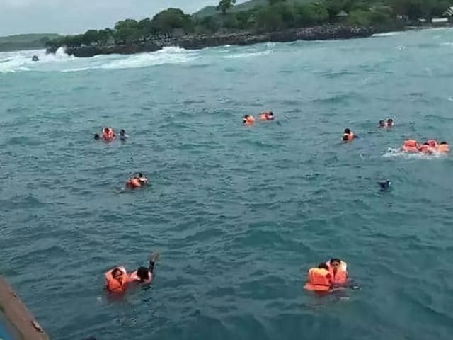 Strage di migranti, due naufragi al largo della Libia, altri 100 morti