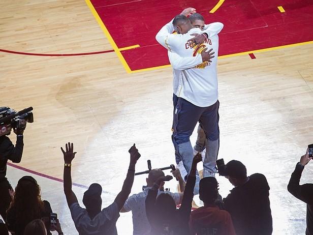 Perché Kyrie Irving vuole lasciare LeBron James?