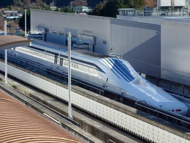 """Il vanto nipponico viaggia in ferrovia. E i """"treni proiettile"""" volano senza binari"""