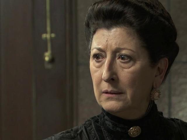 Una Vita, puntata in prima serata 1 ottobre: Ursula è costretta a mendicare