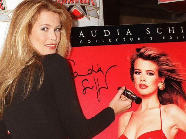 """Claudia Schiffer, anche lei vittima di bullismo: """"Mi chiamavano oca, ma sognavo di fare la modella"""""""