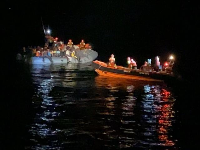Torna l'ong Open Arms: 73 migranti soccorsi a largo della Libia