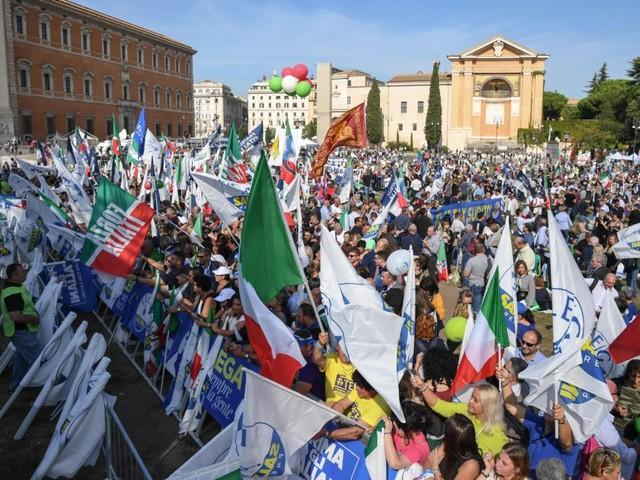La manifestazione di Lega e centrodestra a Roma