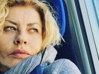 """Eva Grimaldi in lutto, è morta la mamma: """"Mi ha insegnato a essere felice"""""""