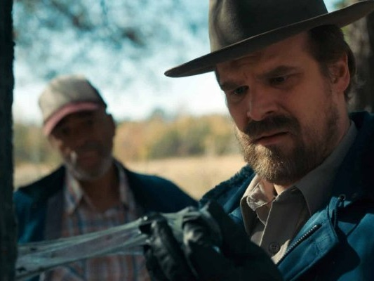 Stranger Things: David Harbour ritrova il Demogorgone nella parodia della serie! (VIDEO)