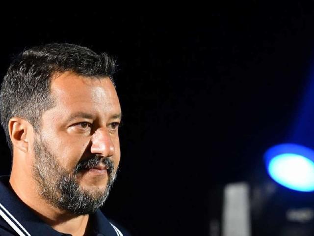 Salvini D'Urso, scontro in tv con Alba Parietti ed Asia Argento – VIDEO