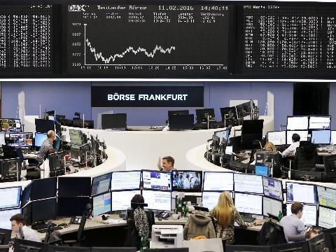 Borsa: Europa riduce calo, Milano -0,6%