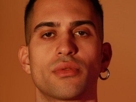 L'instore tour di Mahmood per l'album anticipato: il calendario firmacopie per Gioventù Bruciata