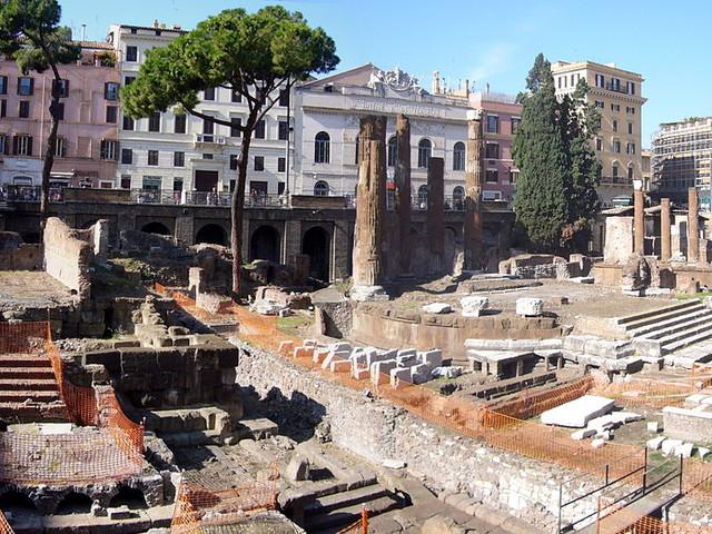Roma, Bulgari diventa mecenate della città: 500.000 euro per l'area sacra di Largo Argentina