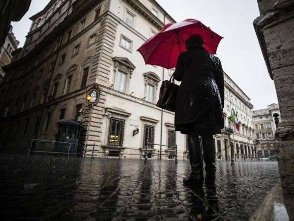 Previsioni meteo 15 ottobre: forte maltempo sull'Italia, al Nord temporali e grandine