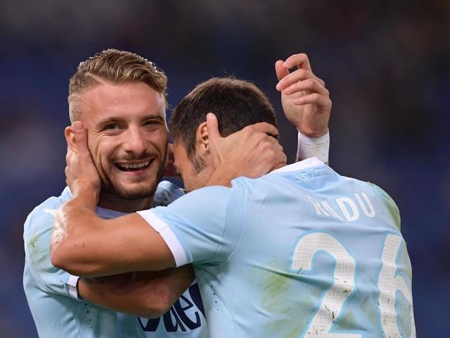 """La Lazio di Inzaghi vince e convince: 3-0 al Cagliari, Juve """"agguantata"""""""