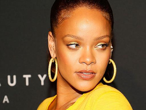 Il guardaroba di Rihanna a Seoul è immediatamente iconico