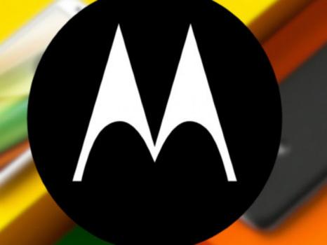 Smartphone pieghevole Motorola RAZR dal 13 novembre, scacco matto a Huawei e Samsung?